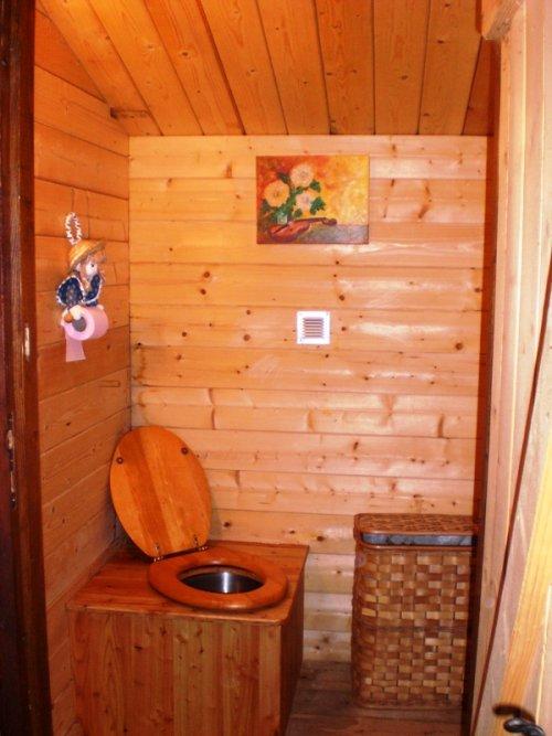 Un couple a fait le choix d'une toilette sèche pour leur chalet du Reposoir en Haute Savoie (74)