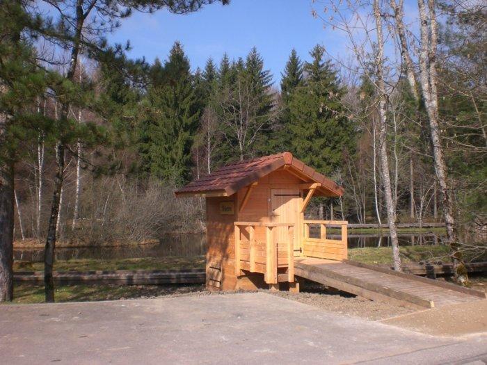 Une toute dernière toilette sans eau à Saint-Martin-Bellevue