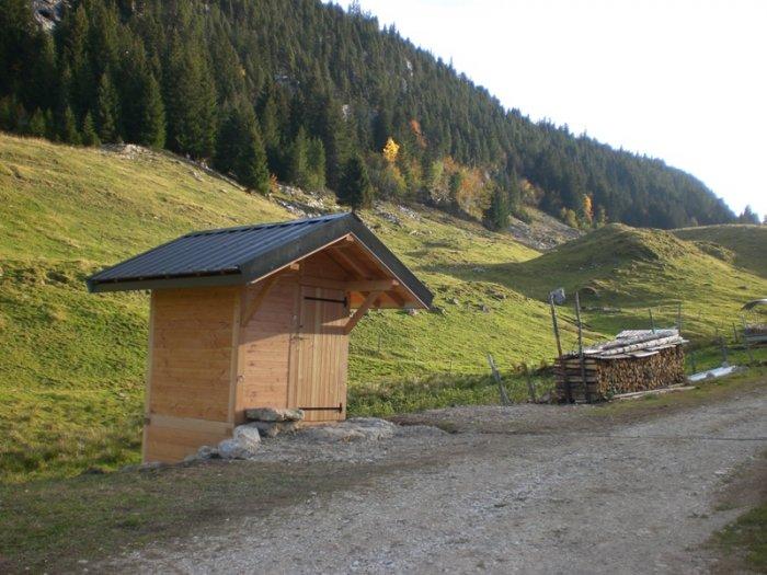 La toilette installée sur le plateau des Glières