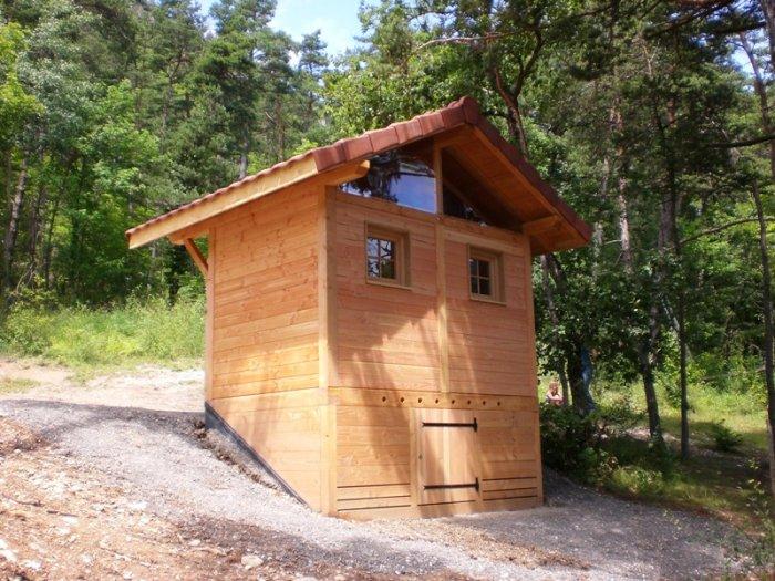 La toilette sèche de Treffort avec ses 2 fenêtres