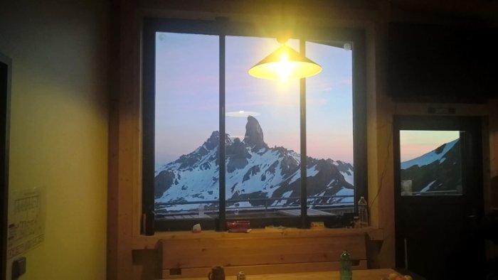 La Pierra Menta depuis la fenêtre du nouveau refuge