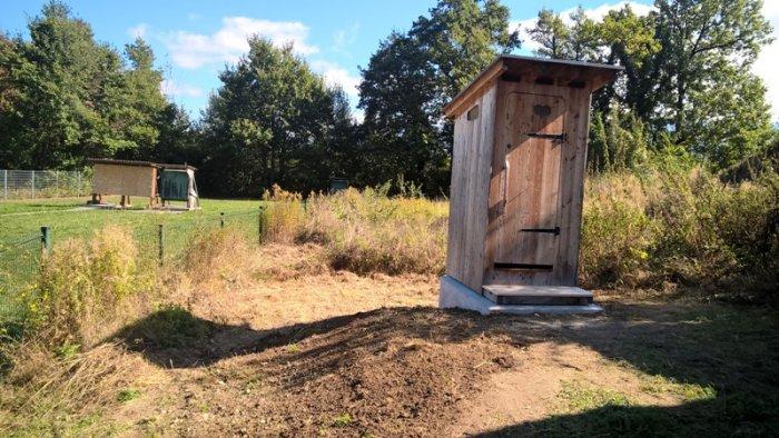 Déménagement d'une Toilette sèche Estive